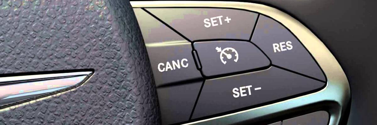 طريقة سهلة للسيطرة على المركبة في حال تعطل مثبت السرعة أثناء القيادة